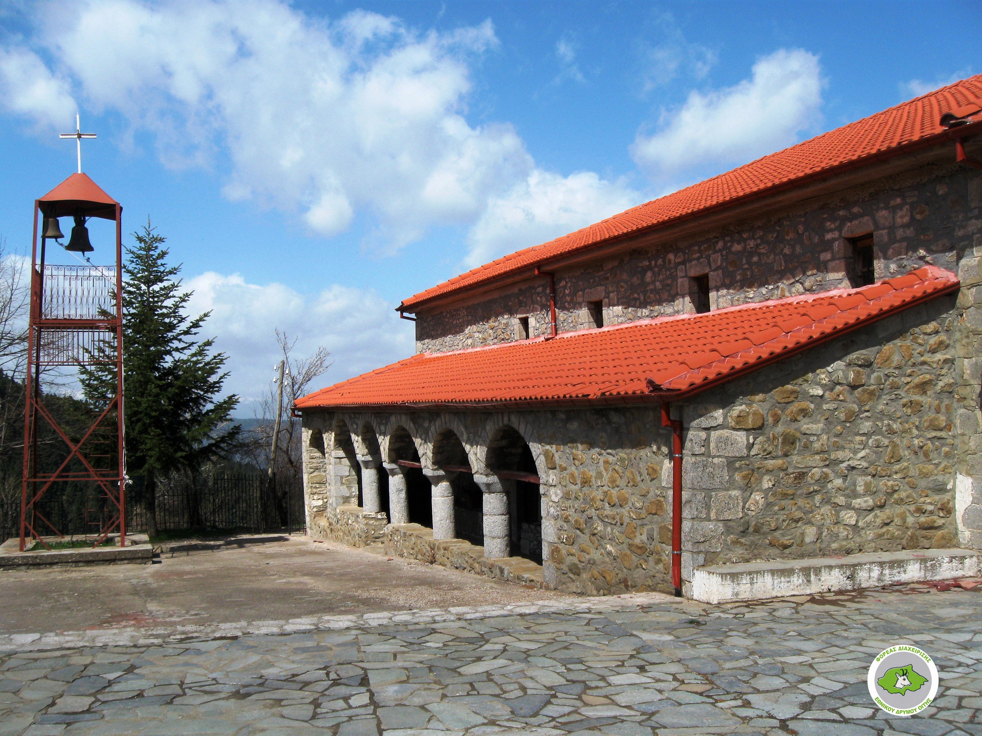 Oiti Refuge – Greveno, Alykaina, Pyrgos peaks – Neochori