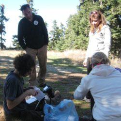 συλλογή μανιταριών στα πλαίσια μελέτης των μακρομυκήτων της Οίτης